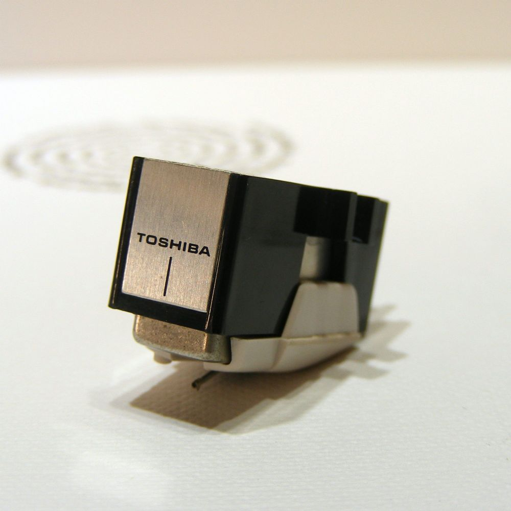 Toshiba Badged Audio Technica AT10 Cartridge and Stylus